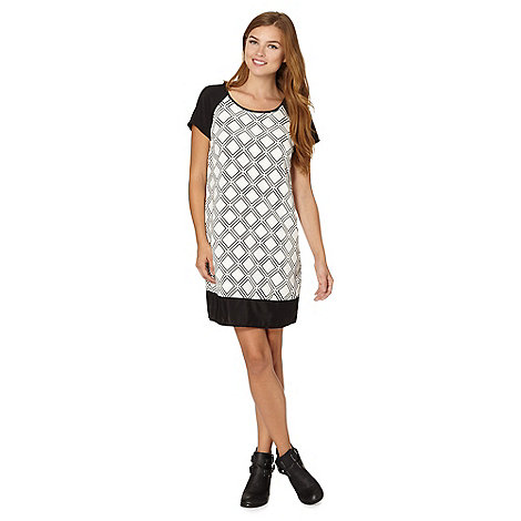 Red Herring - Ivory diamond grid print shift dress