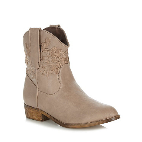 Mantaray - Taupe embroidered mid ankle boots