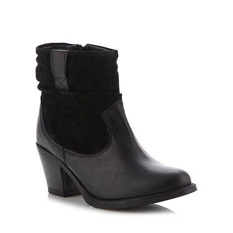 Mantaray - Black ruched mid heel ankle boots