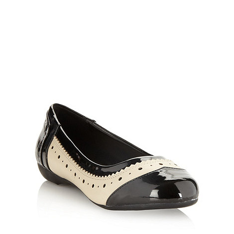 Good for the Sole - Cream wide fit brogue trim pumps