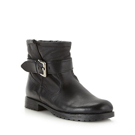 Mantaray - Black leather shearling lined low ankle boots