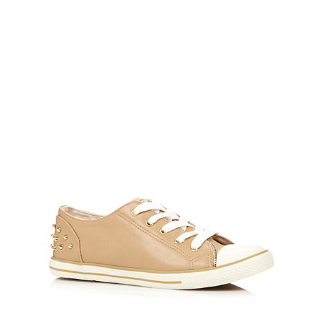 Red Herring - Beige stud back trainers