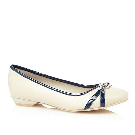 Good for the Sole - Cream contrast bow trim wide fit pumps