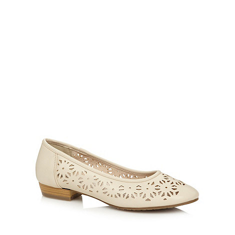 Good for the Sole - Natural cutout wide fit pumps