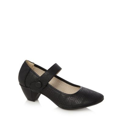 Good for the Sole Black heeled punched hole wider fit pumps - . -