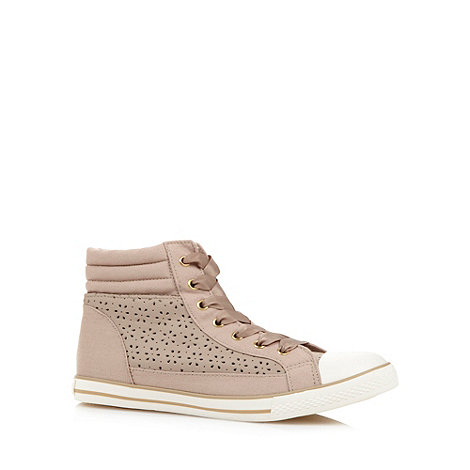 Mantaray - Beige punched floral trainers