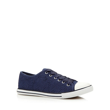 Mantaray - Navy tulip crochet trainers