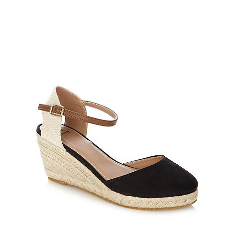Mantaray - Black mixed strap mid wedges