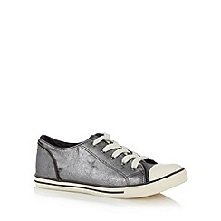 Mantaray - Silver metallic zip trim trainers