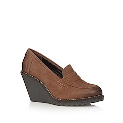 Mantaray - Tan leather high wedge loafers