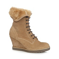 Mantaray - Tan faux fur cuff suede wedge ankle boots