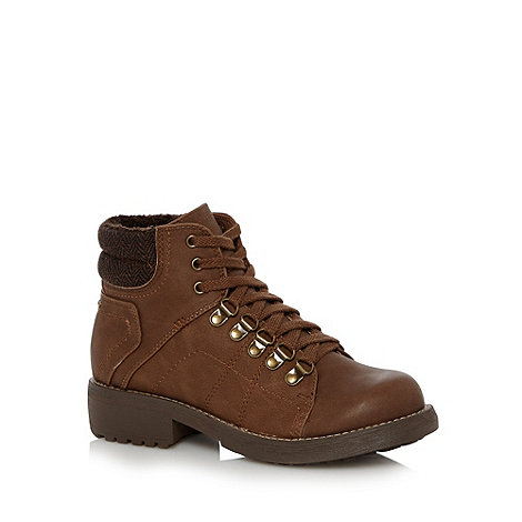 Mantaray - Brown stitched low heel lace up boots