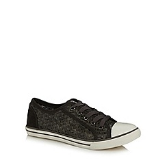 Mantaray - Black weave trainers