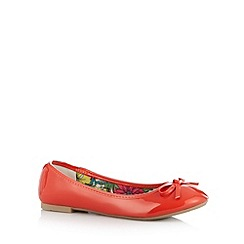 Red Herring - Red bow applique pumps