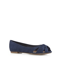 Mantaray - Navy knotted pumps
