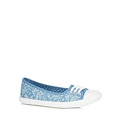 Mantaray - Blue ditsy floral slip on shoes