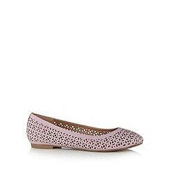 Mantaray - Lilac cutout pumps
