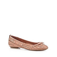 Mantaray - Light pink weave leather pumps