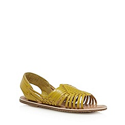 Mantaray - Yellow leather cutout sandals