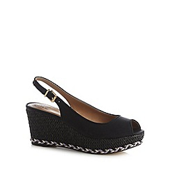 Mantaray - Black plaited mid wedges