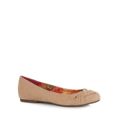 Good for the Sole Beige bow memory foam pumps - . -