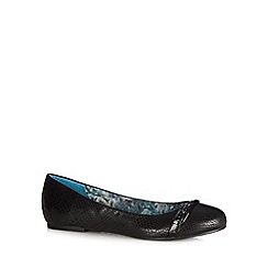 Good for the Sole - Black snake buckle wide fit pumps