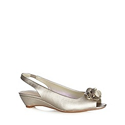 Good for the Sole - Metallic flower applique wide fit peep toe pumps