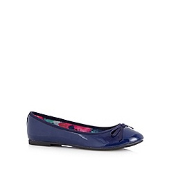The Collection - Navy patent bow detail pumps
