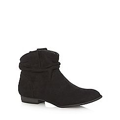 Mantaray - Black ruched cuff ankle boots
