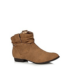 Mantaray - Tan ruched cuff ankle boots