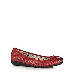 Mantaray - Red woven bow pumps