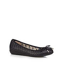 Mantaray - Black weave bow pumps