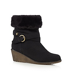 Mantaray - Black mid wedged ankle boots