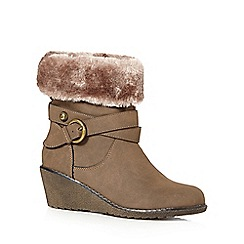 Mantaray - Taupe mid wedged ankle boots
