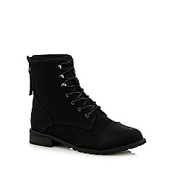 Mantaray - Black lace up low heeled ankle boots