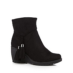 Mantaray - Black tasselled mid wedged ankle boots