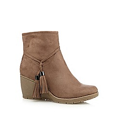 Mantaray - Taupe suedette mid heeled wedge ankle boots