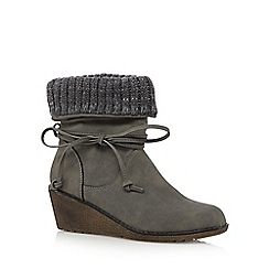 Mantaray - Grey knitted cuff mid wedged ankle boots