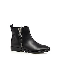Mantaray - Black leather zip side ankle boots