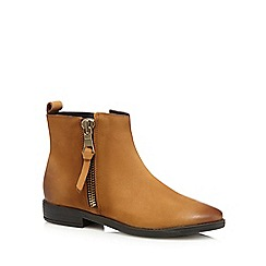 Mantaray - Tan leather side zip ankle boots