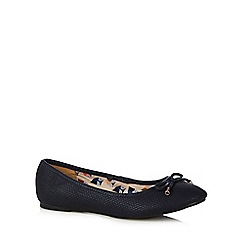Mantaray - Blue bow slip on shoes