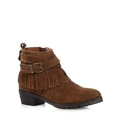 Mantaray - Tan suede fringed low ankle boots