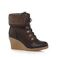 Mantaray - Brown fleece cuff mid wedged ankle boots