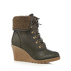 Mantaray - Khaki fleece cuff mid wedged ankle boots