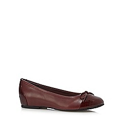 Good for the Sole - Red wide fit mock snake toe cap pumps
