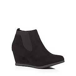 Good for the Sole - Black mid wedged wide fit Chelsea boots