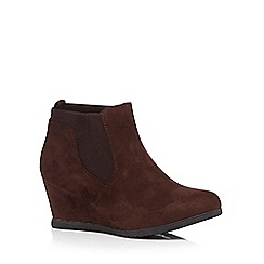 Good for the Sole - Dark brown mid wedged wide fit Chelsea boots