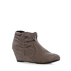 The Collection - Grey ruched cuff mid wedge ankle boots