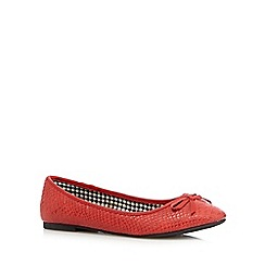 The Collection - Red textured bow pumps