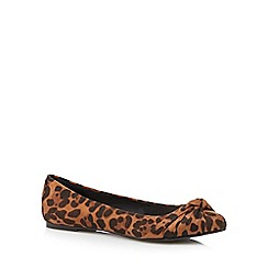 The Collection - Tan leopard print pointed bow pumps